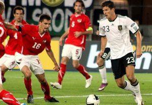 Mario Gomez 2012 300x209