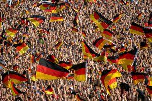 deutsche flaggen 300x200
